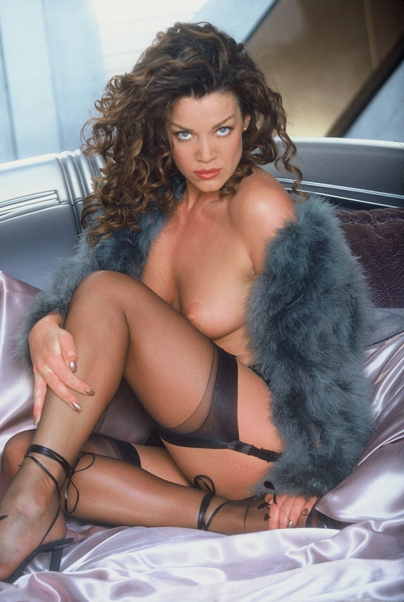 claudia christian3 Teen Mom star Farrah Abraham has been candid about her latest round of ...